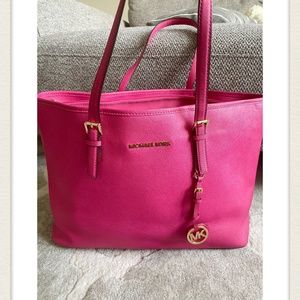 Micheal Kors Large Jet set leather Tote